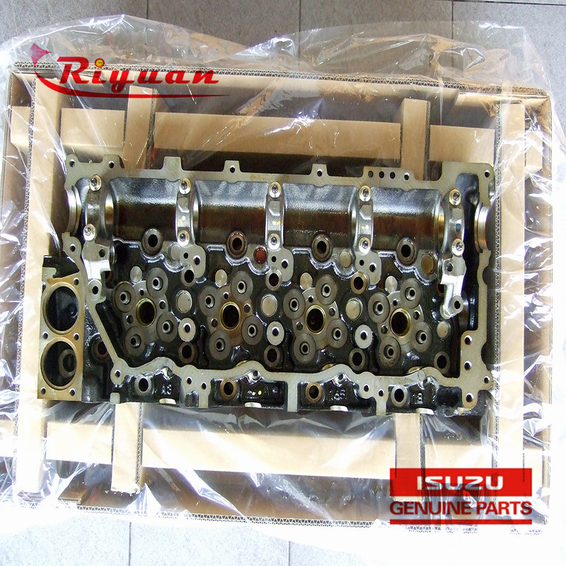 8-98170617-1 Diesel Engine parts 4HK1 Cylinder Head For ZX200-3 ZX210LC-3 Excavator Featured Image