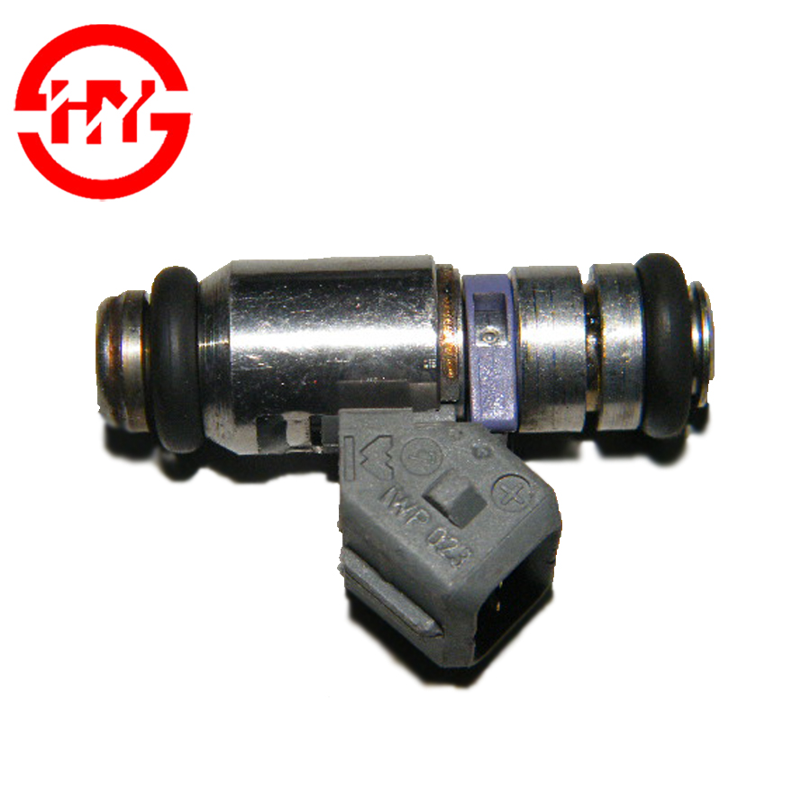 series fuel injector nozzle OEM IWP-023 IWP023 for Italy hatchback auto